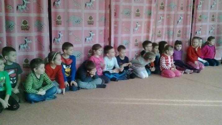 Školáci v MŠ na Mravenečcích