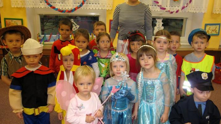 Karneval s Hopsalínem