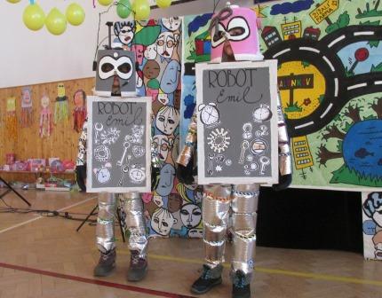Robot Emil na karnevale