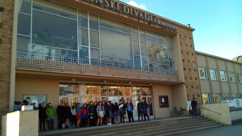 Deváťáci jeli za Shakespearem do divadla