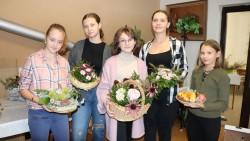Naše žákyně se postaraly o floristickou úpravu Plackobraní
